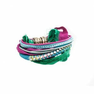 Multicolor Silk bracelet with Swarovski crystal and magnetic closing